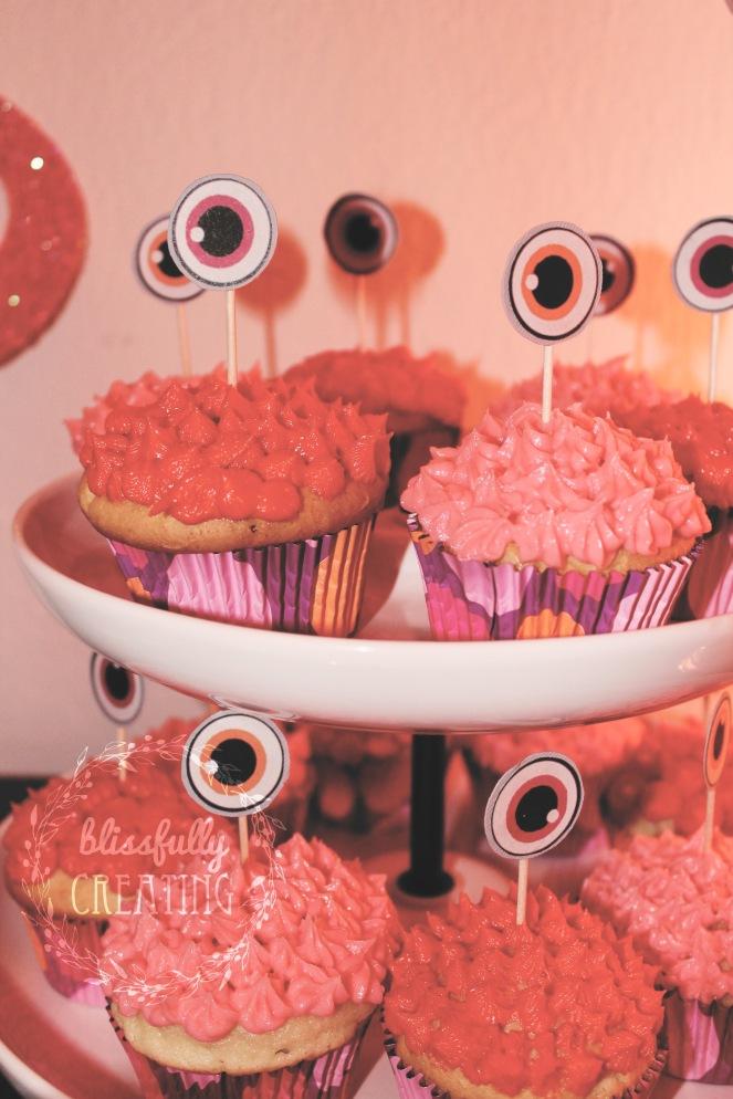{monster cake} cupcakes
