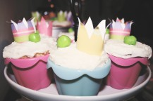 {creating birthday magic} princess & pea cupcakes