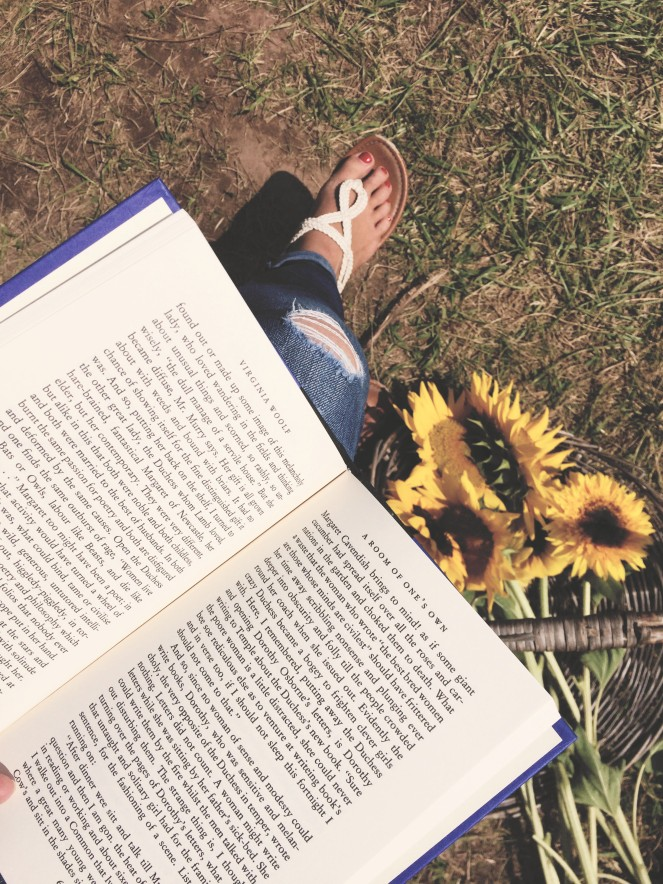 {manic mom-days} reading - fieldtrip