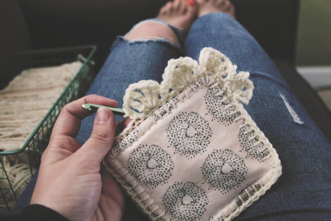 {creating a baby blanket} starting crochet