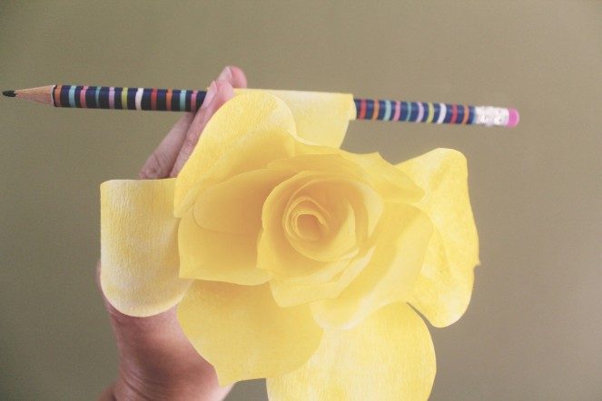 {quick crafts} coffee filter roses4